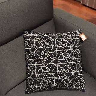 Oz Design Throw Cushion