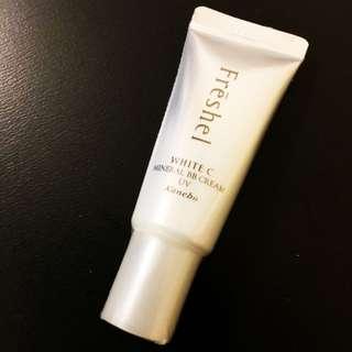 全新 New Kanebo White C Mineral BB Cream UV