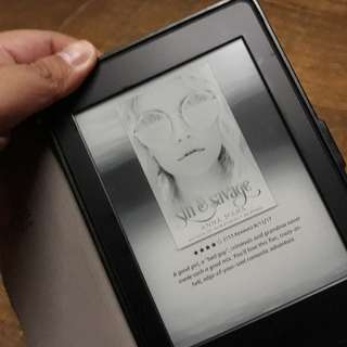 Amazon Kindle Paperwhite (black) unit and with case