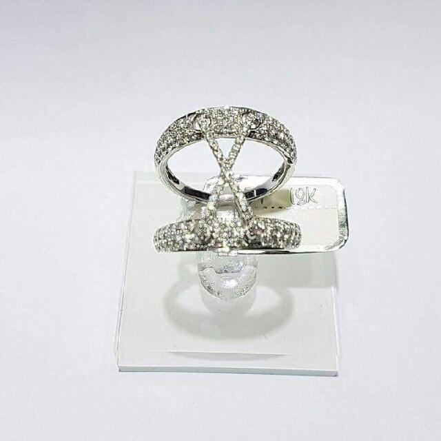 18K WHITE GOLD DIAMOND RING .73 carats total diamonds