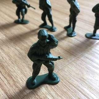 兵人玩具一盒(不連盒)
