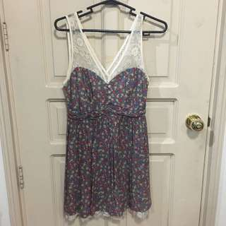 FOREVER 21 Flower lace dress