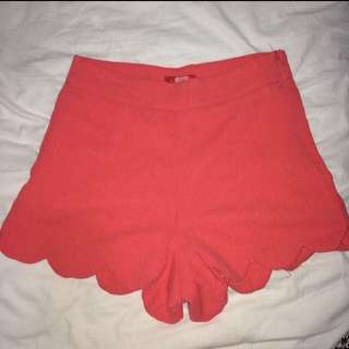 Red scallop shorts, XS-S