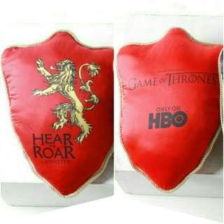🚚 冰與火之歌:權力遊戲Game of Thrones 盾牌形 抱枕