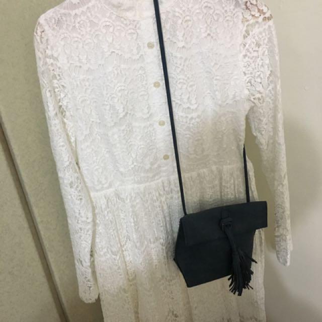 白袖子鏤空蕾絲氣質膝上裙
