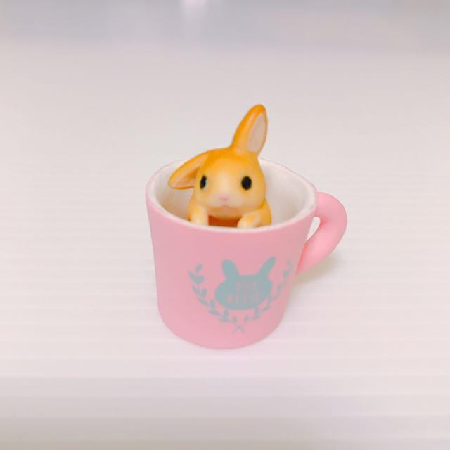 準備要出門的兔兔扭蛋