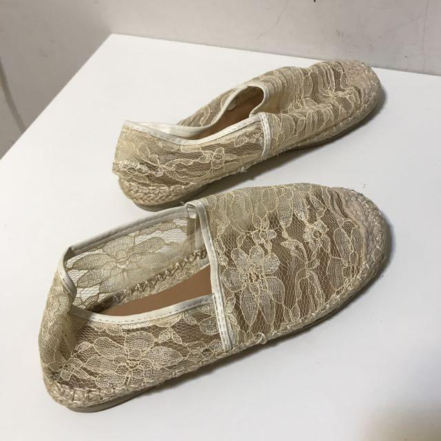 《蕾絲包頭鞋 35碼》  售價$280