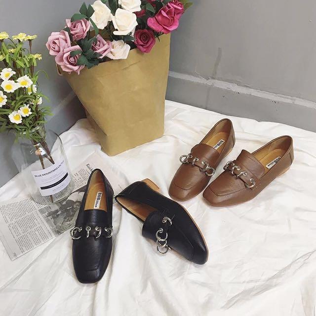 四季可穿 個性圓環 樂福鞋 懶人鞋 粗跟 低跟便鞋 方頭