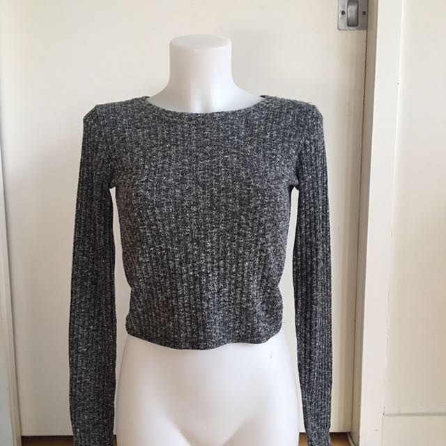 Abercrombie & Fitch long sleeve crop top