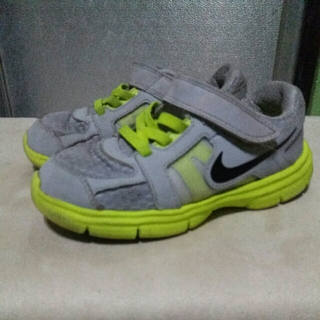 Authentic NIKE toddler Shoes