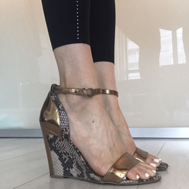 Bcbg Gold and snake skin wedges
