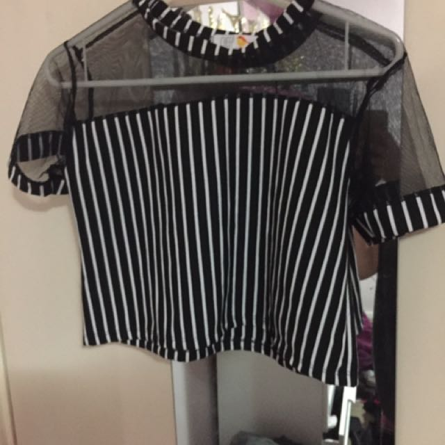 Cheep top never worn