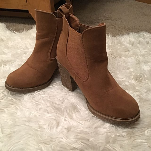 Emerson Tan coloured boots