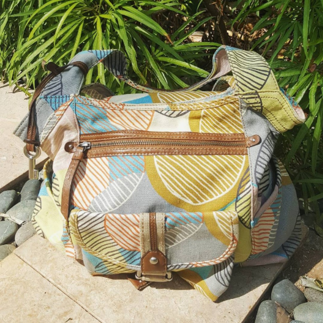 FOSSIL Large Fabric Pattern Hobo Bag (preowned).