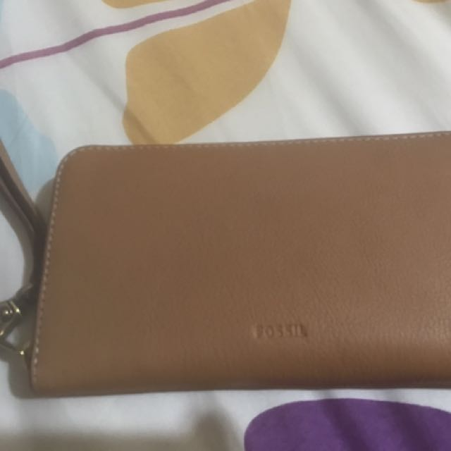 Fossil leather wallet with RFID protected