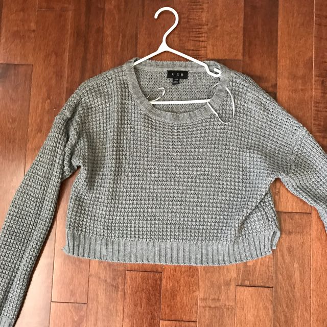 Grey Sweater / Crop