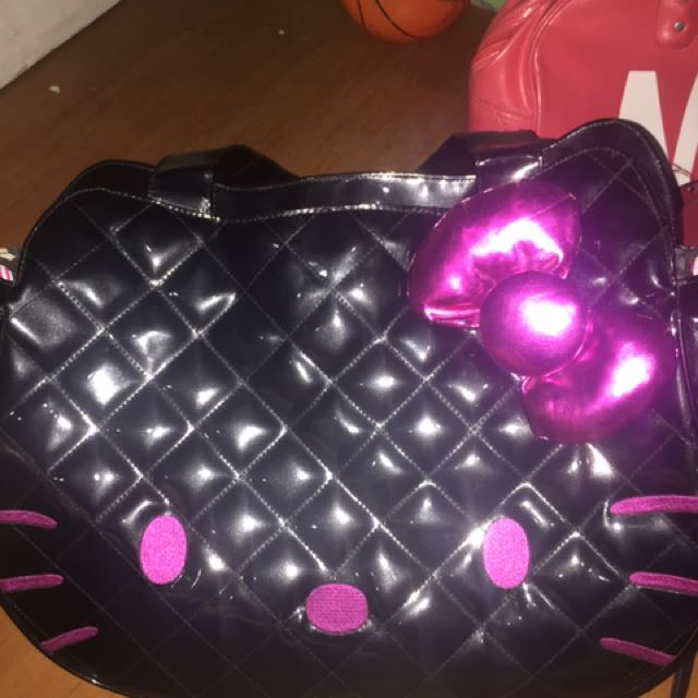 Hello kitty authentic loungefly bag :)