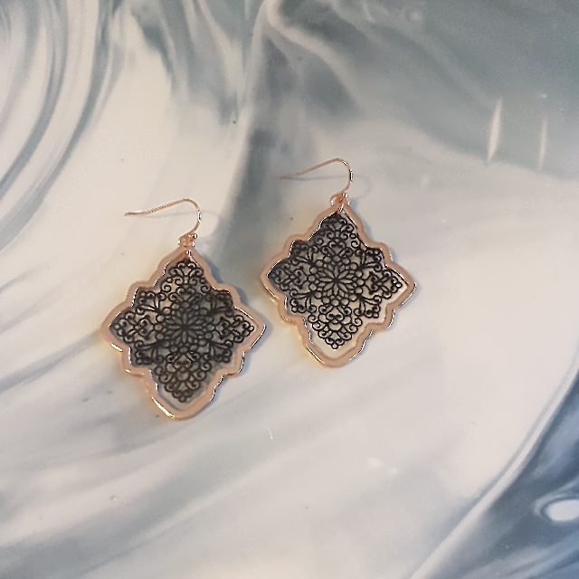 Ladies Gold & Black Filigree Earrings