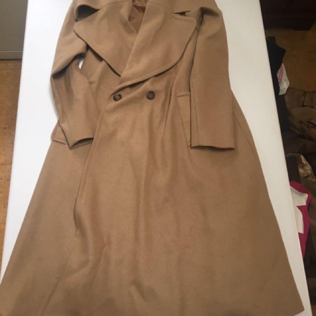LONG BROWN COVERAGE COAT