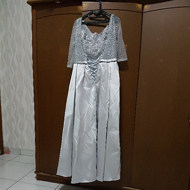 Long Dress Pesta Mutiara Silver