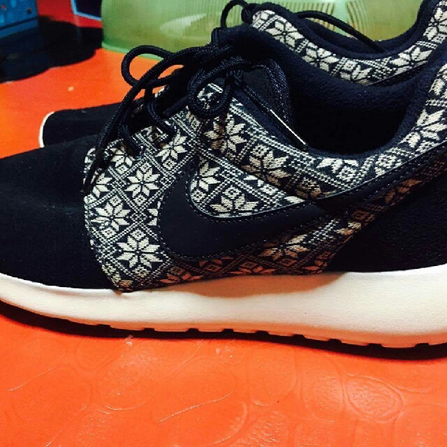 buy online b742a cb67d nike roshe one winter limited edition size 8.5 and adidas ...