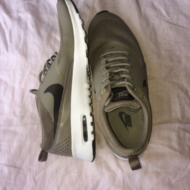 Nike Thea shoes size 9