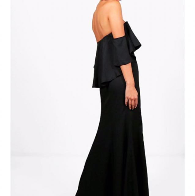 Off-Shoulder Black Maxi Formal Dress