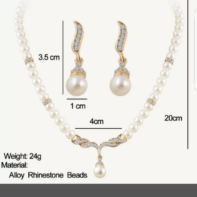 Pearl And Gold Jewelry Set