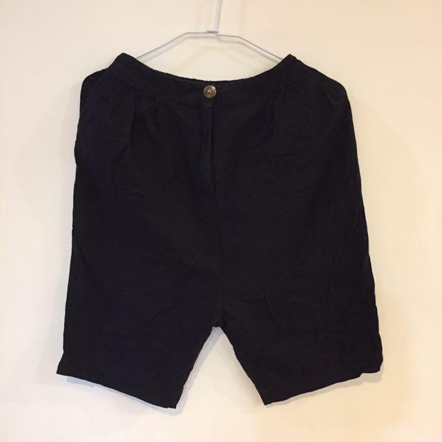 Queen shop黑色五分褲