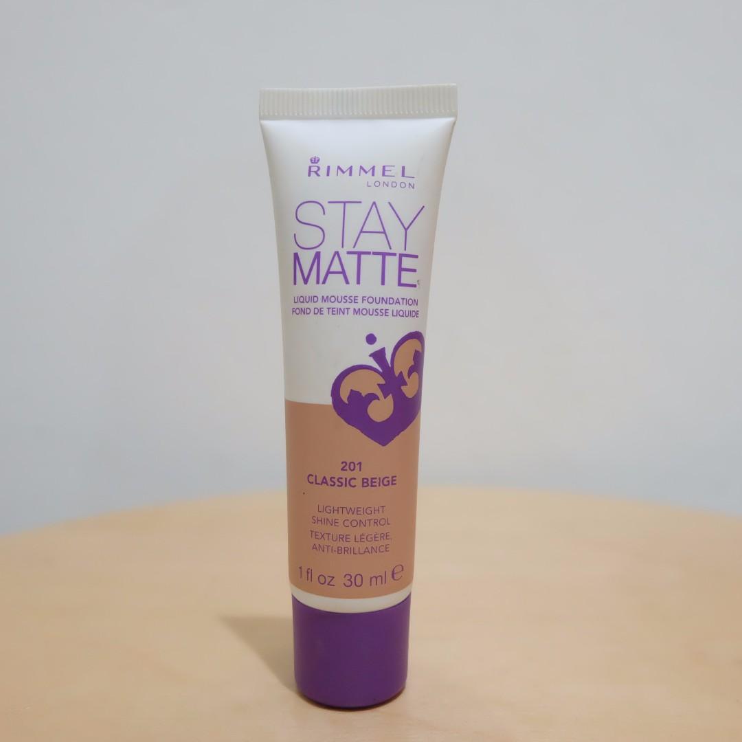 Rimmel London Stay Matte Liquid Mousse Foundation (201 Classic Beige)