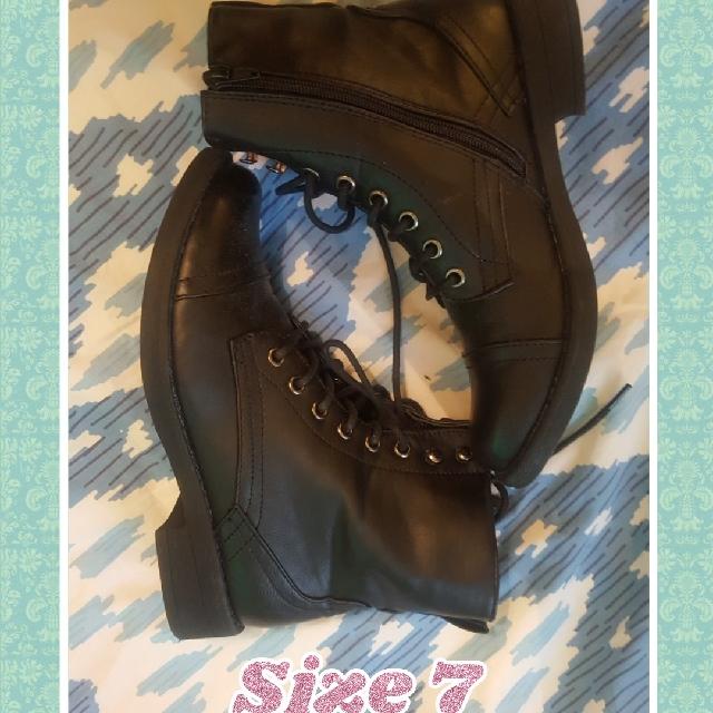 Size 7,Excellent Condition