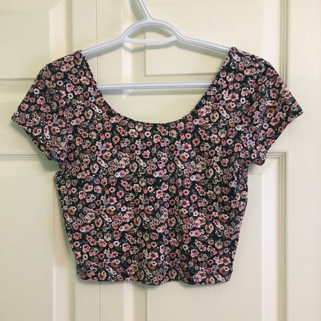 Size M Garage Crop Top BNWT