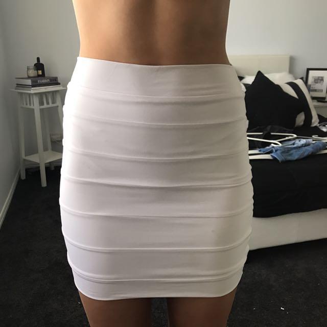 Typical Kookai White skirt size 1