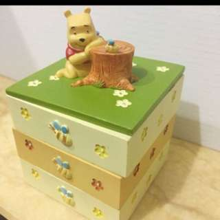WANTED: Pooh accessories box
