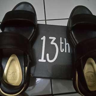13th Sepatu Size 37