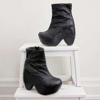 Gee WaWa Femme Fatale Platform Ankle Boots