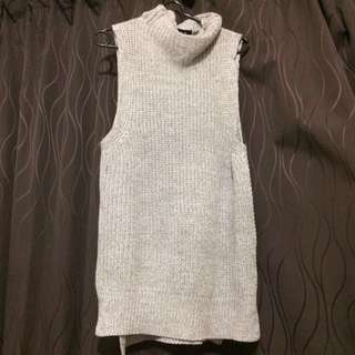 Dotti Sleeveless grey cardi top