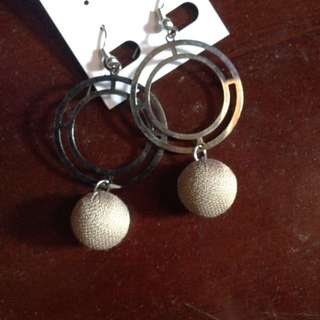 Zara nude earring