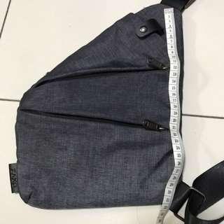 DXYZ sling bag