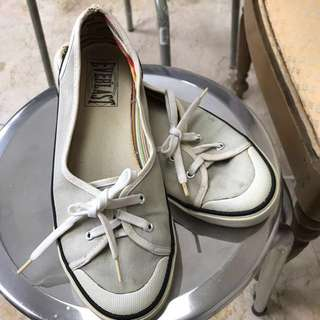 Sepatu Everlast ORI size 38
