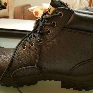 Size 11 Hard Yakka Work Boot