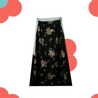 ⬜ Flowery Mid Skirt ⬜