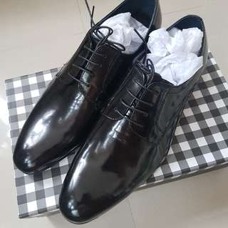 BRAND NEW LEATHER DRESS SHOES
