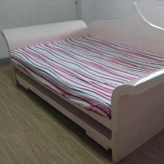 Princess Day Bed (see details below)