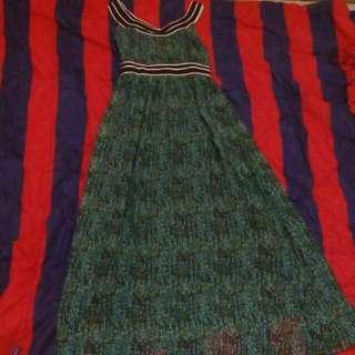 Long Dress Grewn Abstrak