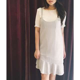 One Set Dress