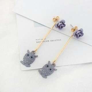 Ginyaa Owl Rose In Gray Earrings