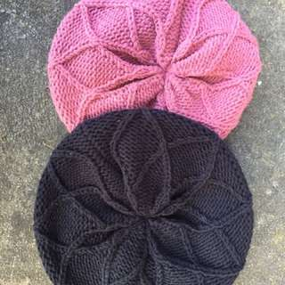 Beret beanie rusty brand in black and pink purple