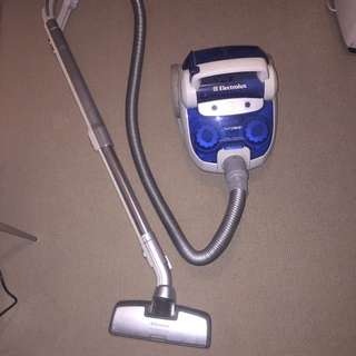 Electrolux Twin Clean Vacuum Cleaner