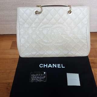 Chanel GST (beige)